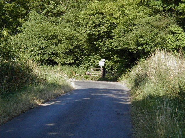 Cobbler's Coppice - entrance by bridleway