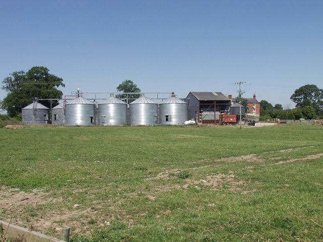 Grain store at Middleton Farm