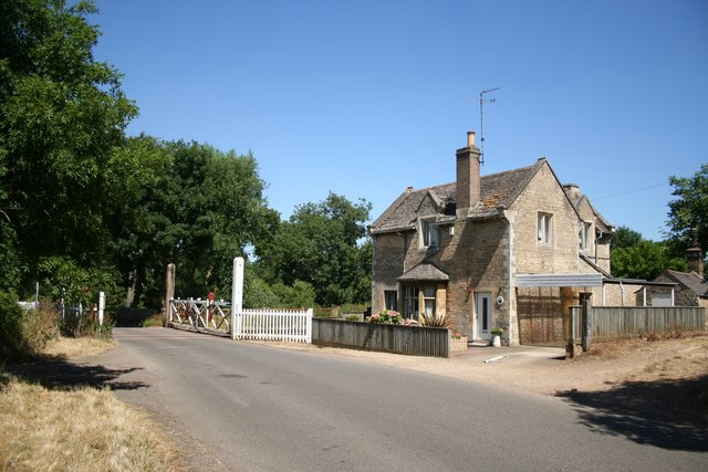 Uffington Road crossing