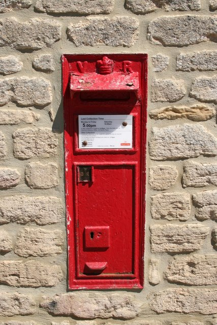 Victorian postbox at Pilsgate