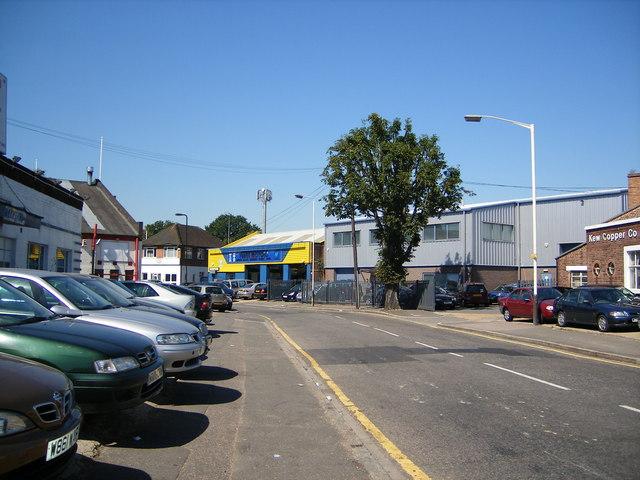 Aintree Road, Perivale