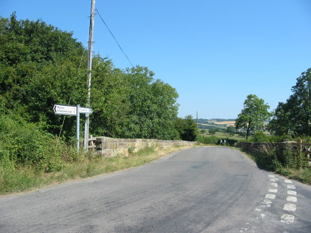 Bridge over the former Pickering - Helmsley railway line near Gallow Heads