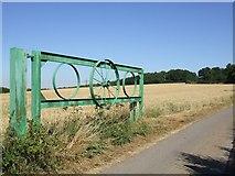 TL0420 : Gateway to Zouches Farm by Rob Farrow