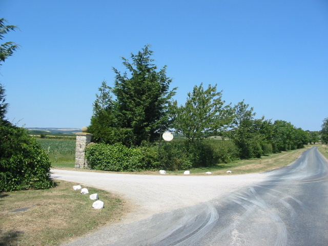 Entrance to Cowldyke Farm