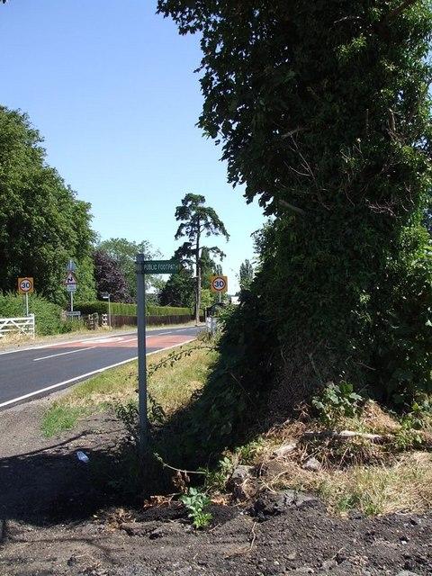 Approaching Tebworth