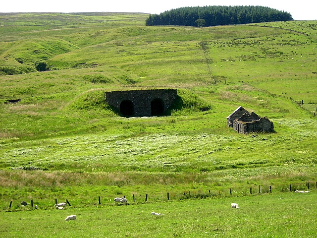 Ruins Below Hob Knowe