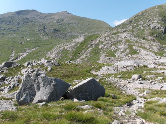 Bealach north of Beinn nan Aighenan