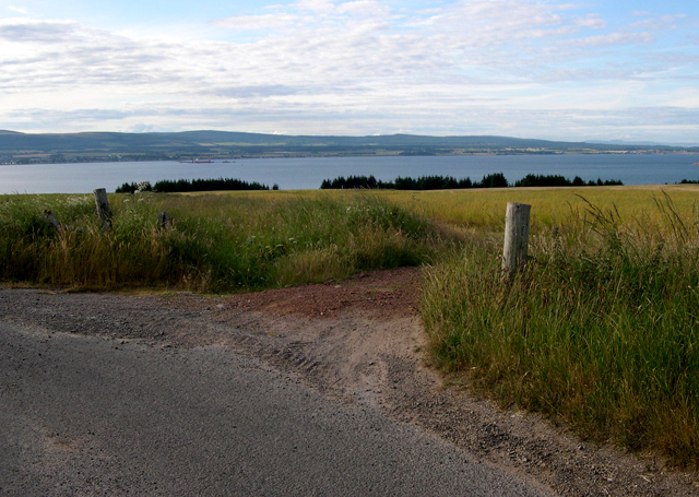 The Cromarty Firth from a bend on the Farness / Peddieston Lane