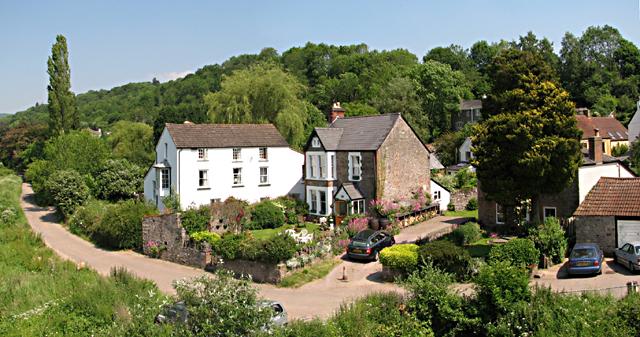 Brockweir - Houses near The Quay