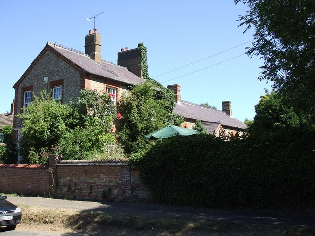 Tebworth Village House