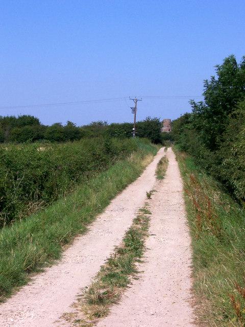 Track off West Marsh Lane