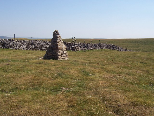 Summit Cairn, Addlebrough