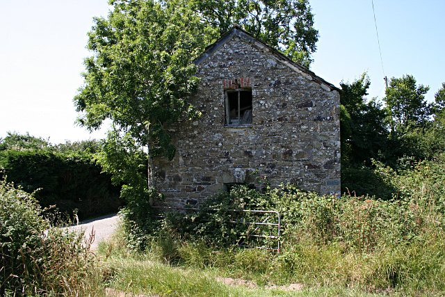 Derelict Building near Treweens