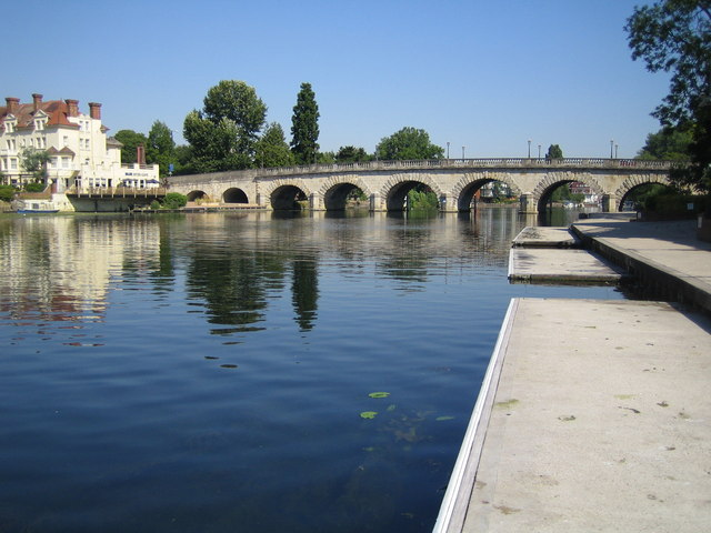 Maidenhead Bridge & River Thames
