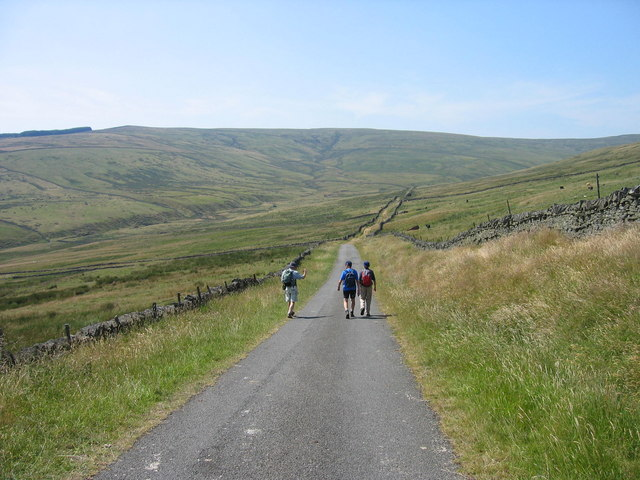 Road leading to Middlehope Lodge