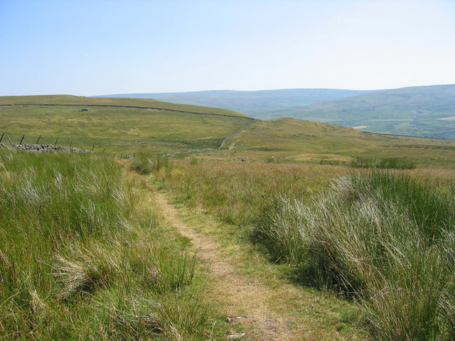 Bridleway and footpath close to Bleak Laws