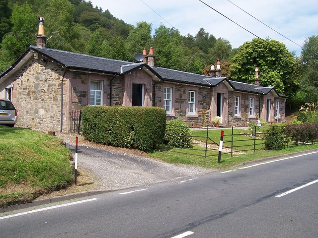 Luss, Houses at  Bandry