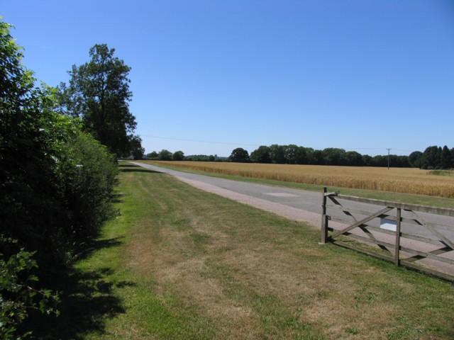Oadby Lodge Farm Driveway