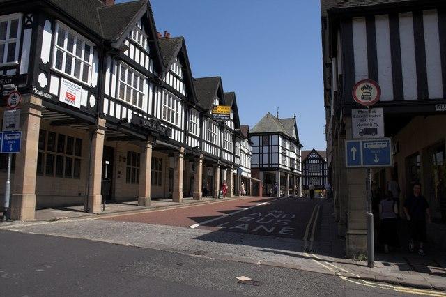 Tudor style buildings on Knifesmithgate