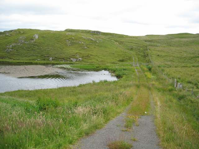 Track at the south end of Loch Shobhail