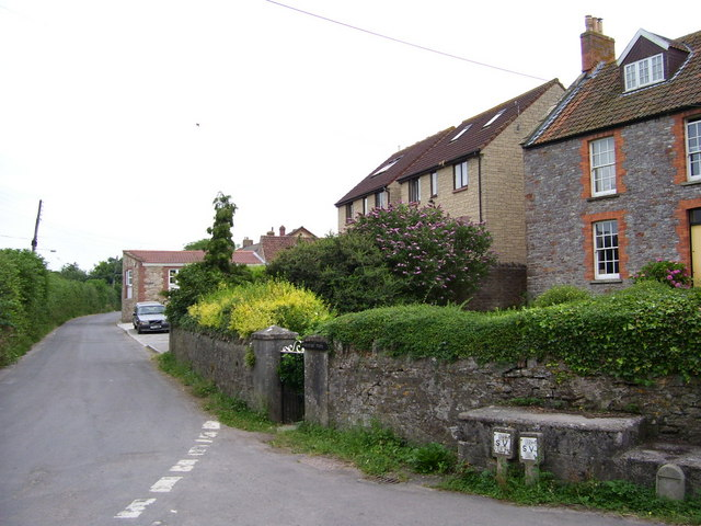 Houses in Upper Coxley