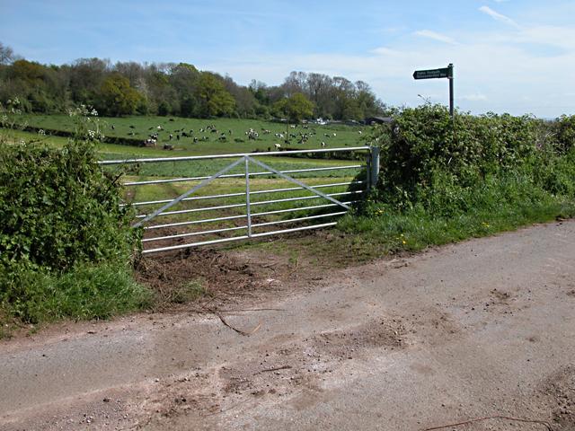 Gloucestershire Way at Bishton Farm