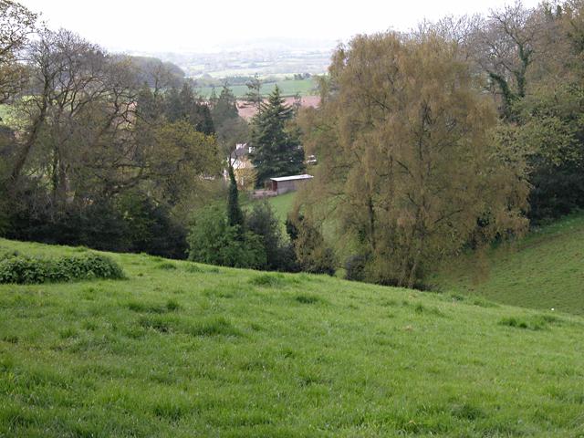 Gloucestershire Way looking towards Boughspring