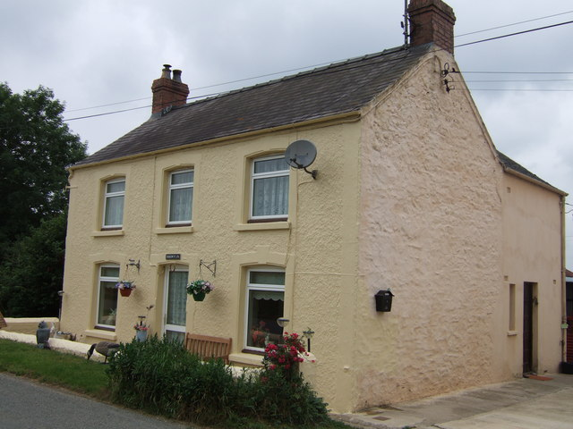 Roadside cottage, Llanstinan