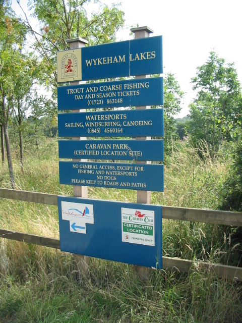Sign listing what is on offer at Wykeham Lakes in Charm Park