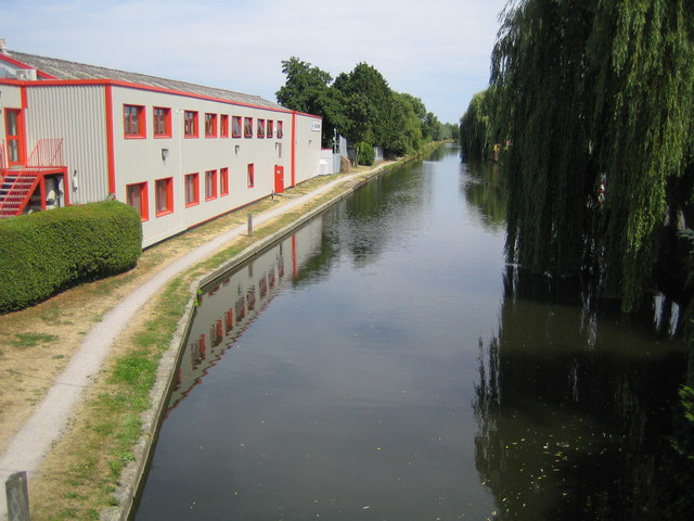 Grand Union Canal: at Yiewsley