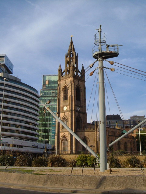 Ship's steel mast in front of St Nicholas' church, Liverpool