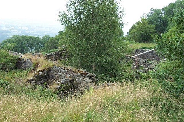 Ruins on the Ardda road