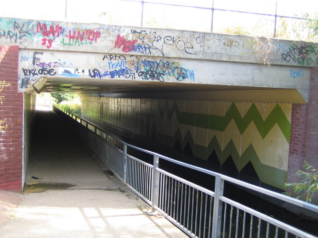 Yeading Brook, The Hillingdon Trail & the A40 subway