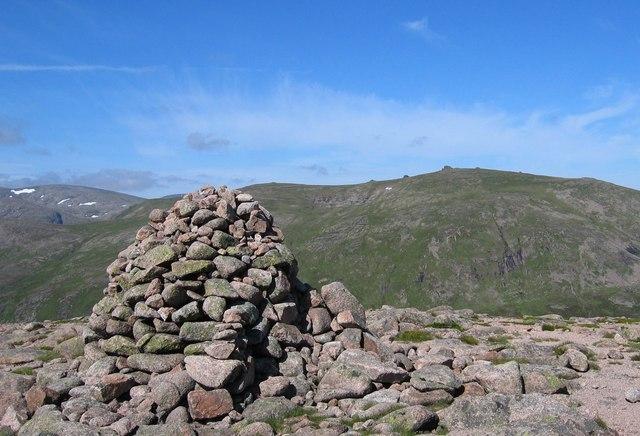 Beinn a' Chaorainn summit cairn
