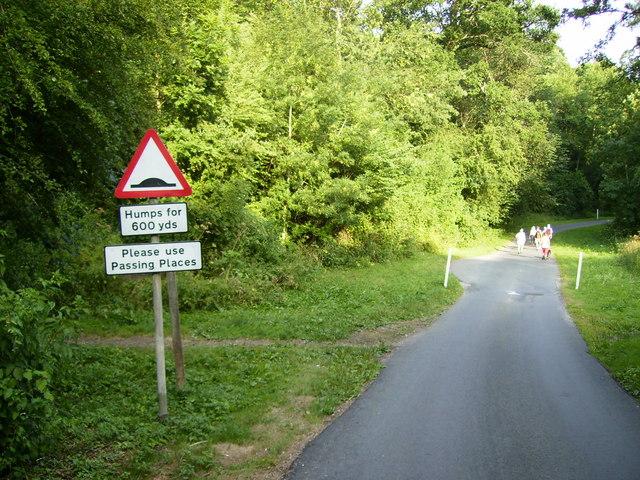 Where footpath meets lane near Kirkbymoorside Golf Clubhouse