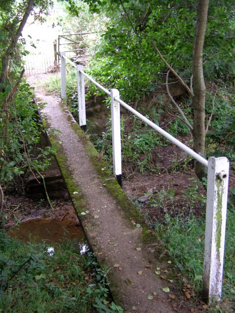 Footbridge over the Cadnam River, Newbridge