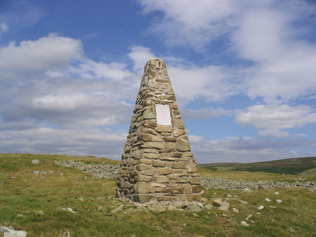 Cairn near Longcroft Hillfort