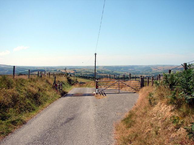 Cattle grid near Banc Blaen Magwr