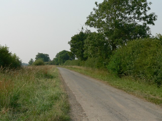 The road to Foggathorpe