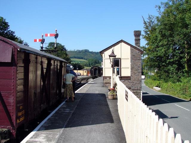 Bronwydd Arms Station, Gwili Steam Railway