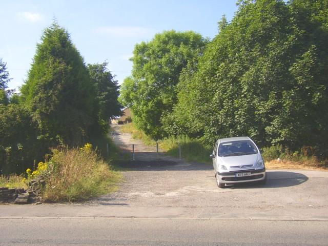 Track off Carr House Road, Shelf