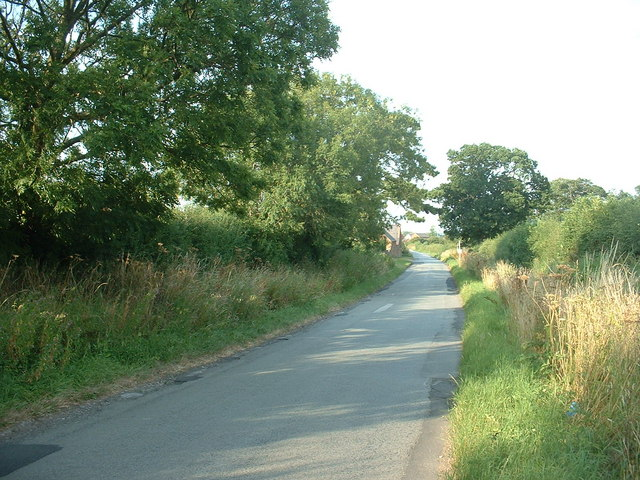 Moor Lane looking towards Plas Moor farm
