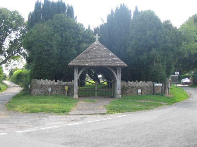 Cemetery gates, Biddestone