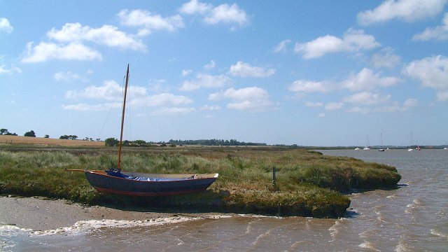 A Walk to the River Alde, Suffolk