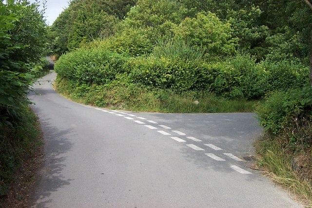 Road Junction near Clytiau-poethion