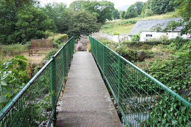 Footbridge across Afon Roe in Rowen