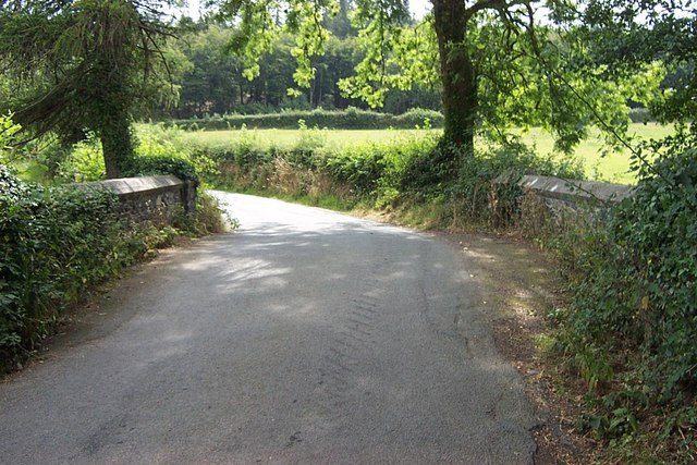 Road bridge near Llangelynin