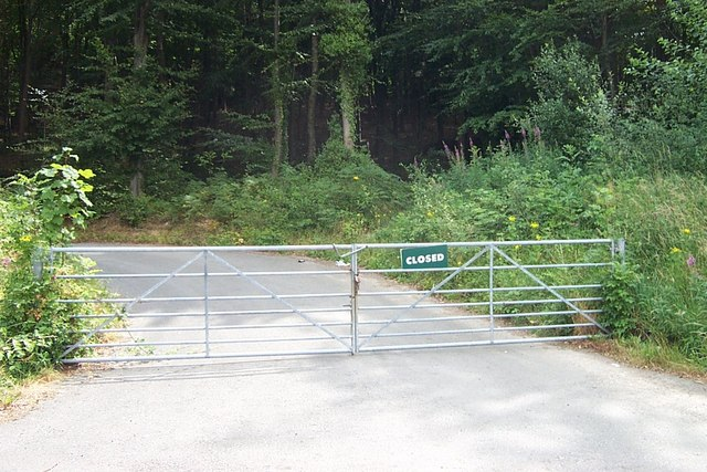 Gate Entrance to Glyn Parc near Roewen