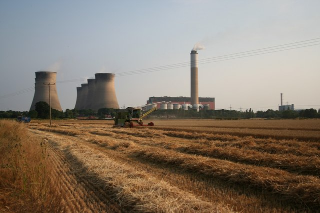 Harvesting in the shadow of the power station