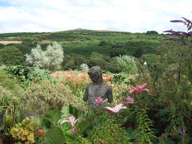 Dyffryn Fernant garden
